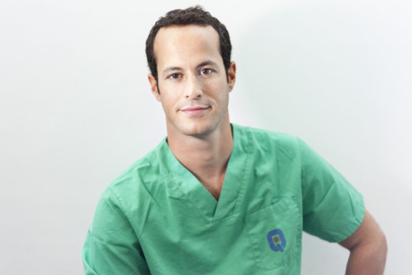 Perfil y CV Doctor Christian Wilches - Cirujano Ortopedico y Traumatologo